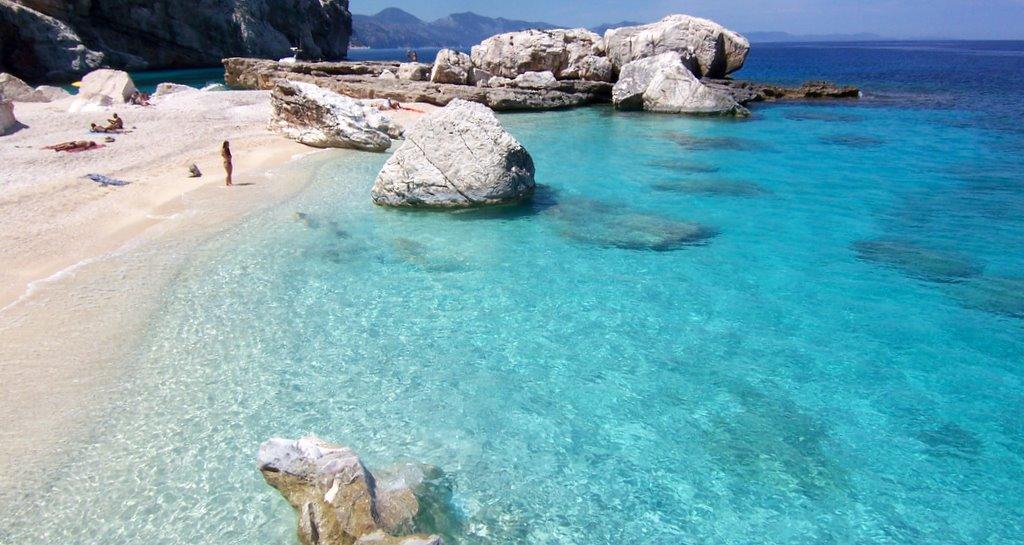 Bãi biển Cala Mariolu, Baunei, Ý