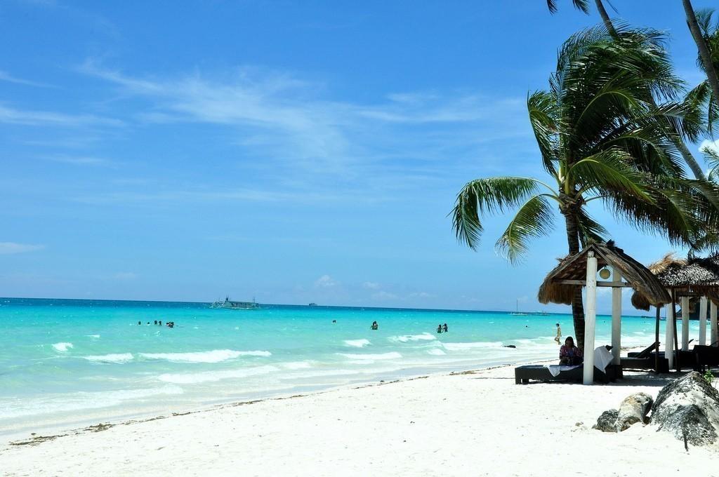 Bãi biển Trắng (White Beach), Boracay, Philippines